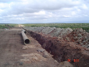 03 - Chatty Extension 12 & 13 - 450mm Dia Bulk Water line - Installation of 450mm dia. GRP pipes