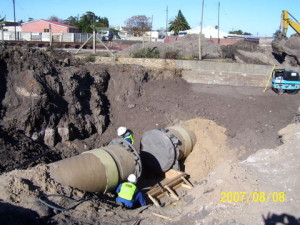08 - Inverted Sewer Siphon - Sewer Pipe Bedded, Aligned at Junction Position