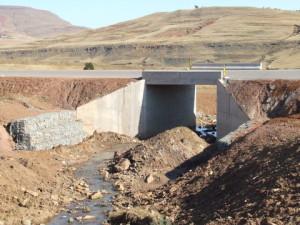 13 - DR08022 - New Bridge